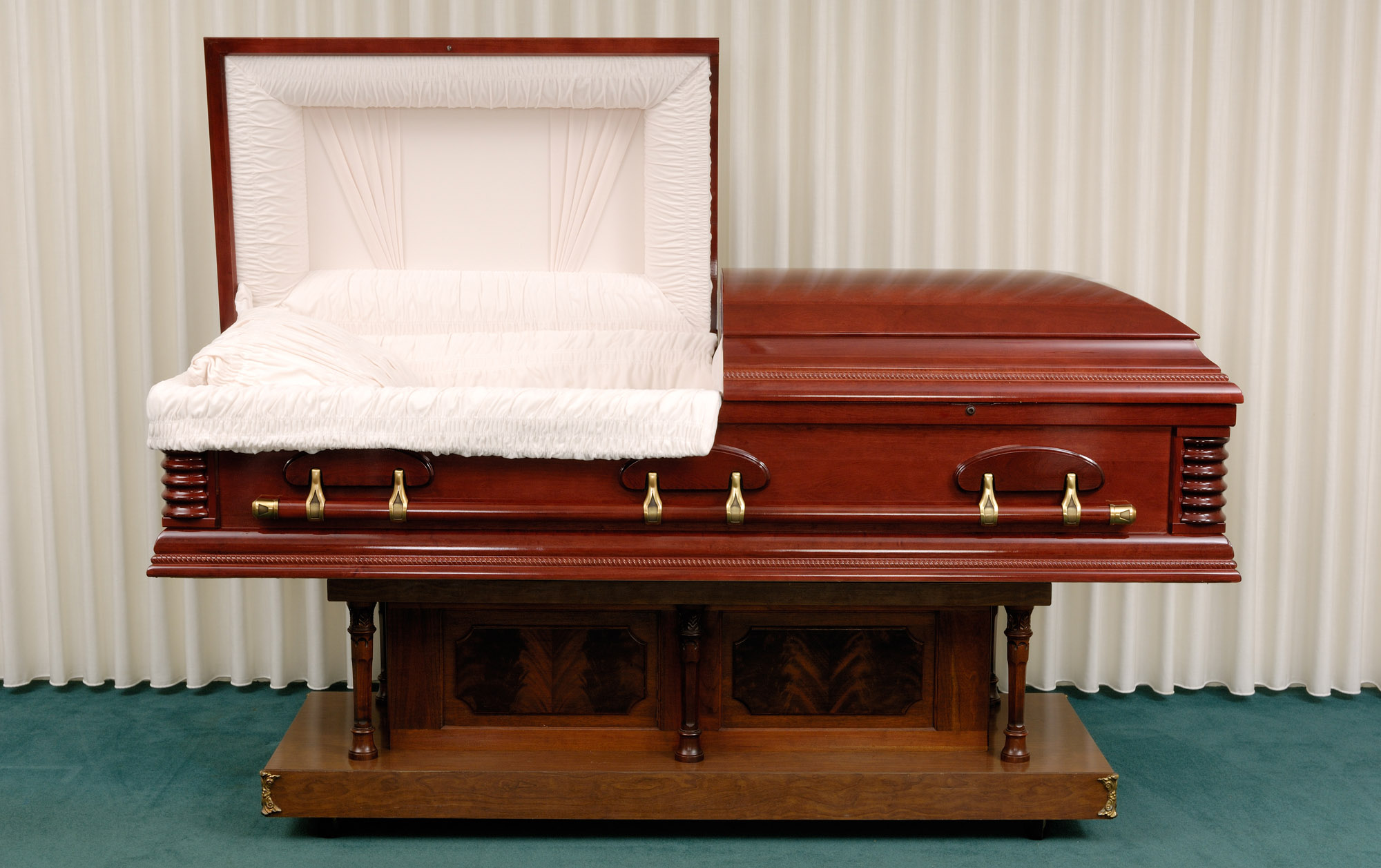 empty coffin - photo #33